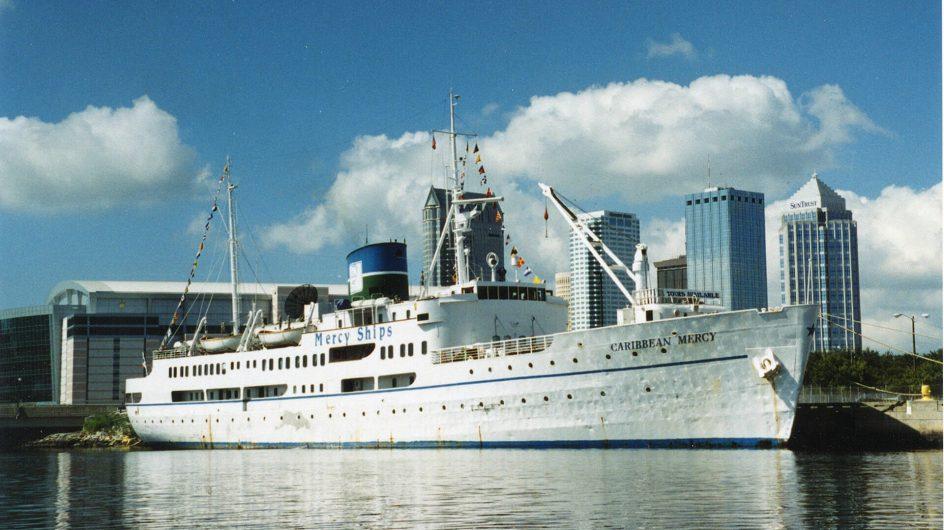 Caribbean Mercy i hamn