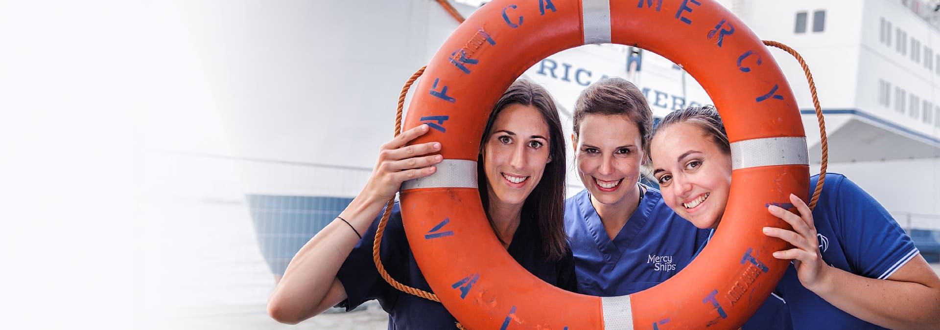 Portrait Krankenschwestern Rettungsring
