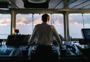 Kapten Taylor Perez på bryggan